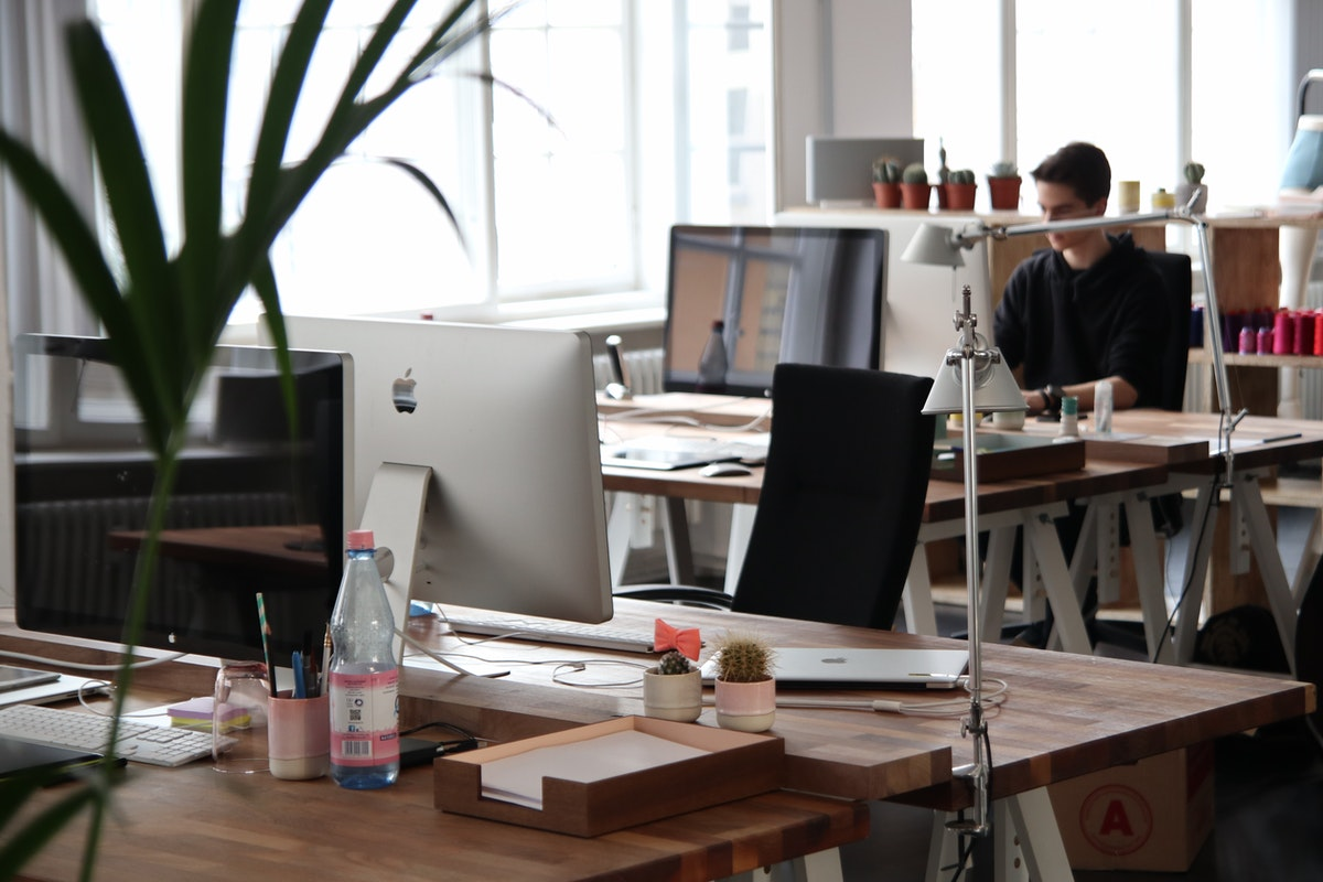 Five Reasons to Keep Your Work Space and Desk Clean and Tidy